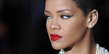 Rihanna ist misstrauisch