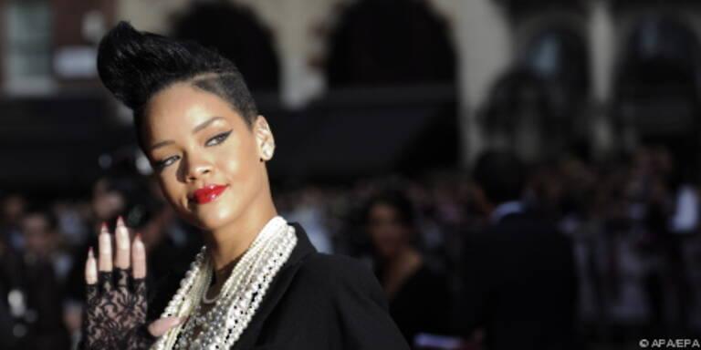 Rihanna steht auf Beyonce und die Black Eyed Peas