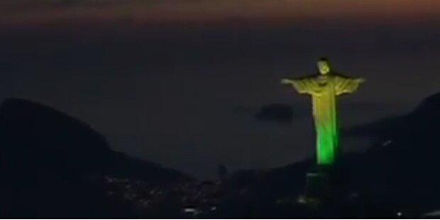 Lichtspektakel: Jesus Statue in Rio beleuchtet