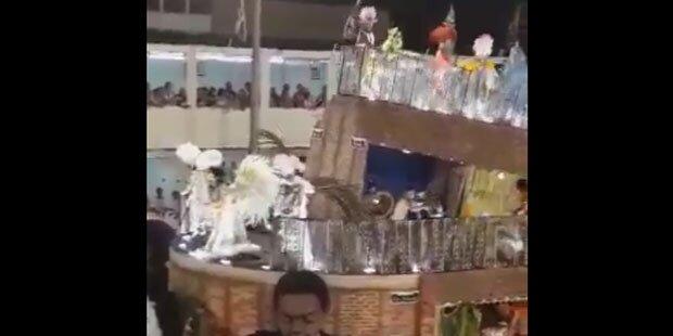 Schock-Bilder: Wagen bricht bei Rio-Karneval zusammen