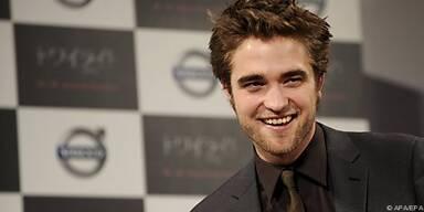 Robert Pattinson legte Blume in Schulfach