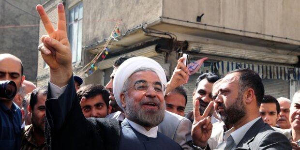 Rohani in Teheran offiziell angelobt