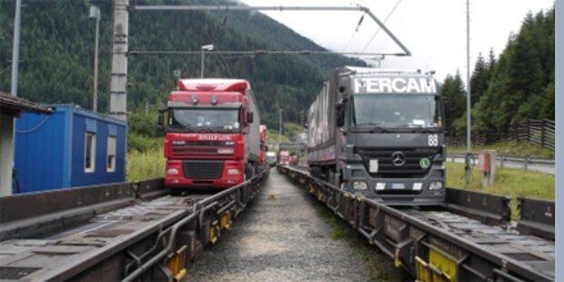 Zwei Waggons in Villach entgleist