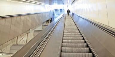 93-Jährige stürzt am Geburtstag auf Rolltreppe zu Tode
