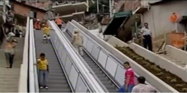 384 Meter: längste Rolltreppe der Welt