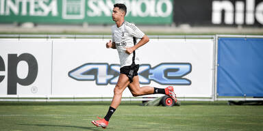Cristiano Ronaldo trainiert am Trainingsgelände von Juventus Turin