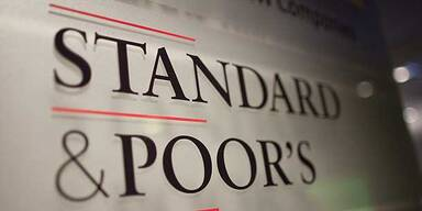 Standard & Poor's stuft Griechenland hoch