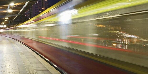 Unfassbar: Deshalb entblößte sich ein Mann in der S-Bahn