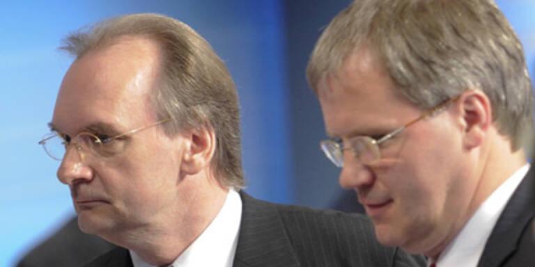 Reiner Haseloff (CDU) und Jens Bullerjahn (SPD) am Wahlabend in Magedeburg.