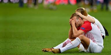 Fußball: Salzburg-Spieler am Boden zerstört