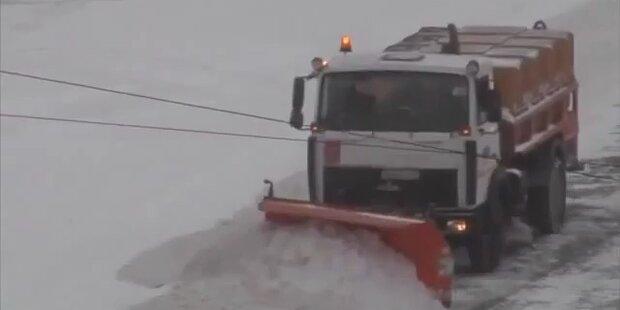Schneesturm legt Moskaus Verkehr lahm