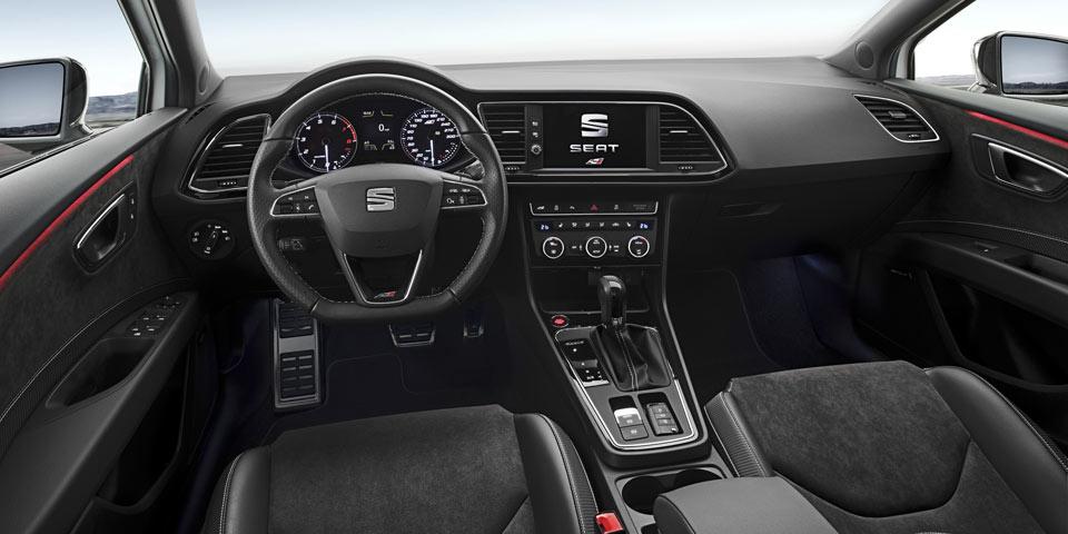 SEAT-Leon-Cupra-300-test1.jpg