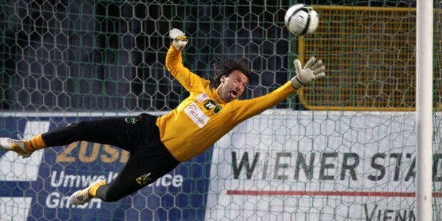 Austria holt Keeper Safar zurück