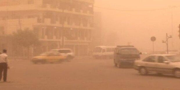 Heftiger Sandsturm zieht über Bagdad