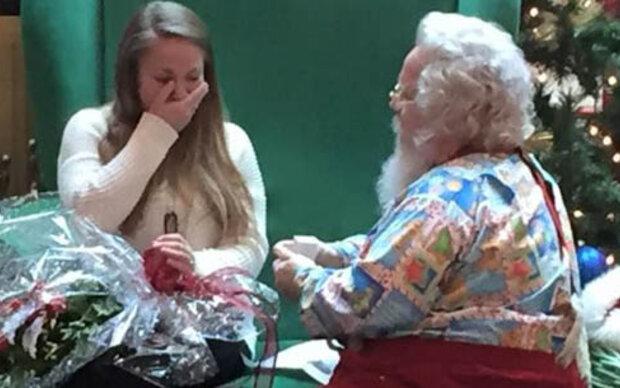 Weihnachtsmann übermittelt Heiratsantrag