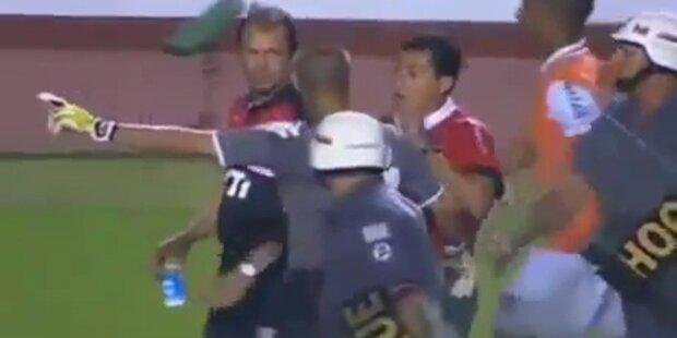 Fußballer von Security mit Pistolen bedroht
