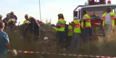 Hunderte Arbeiter in Mine eingeschlossen