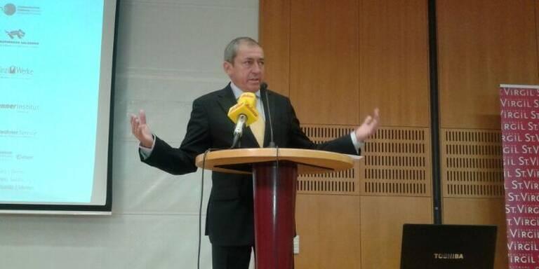 Bürgermeister eröffnet Tagung