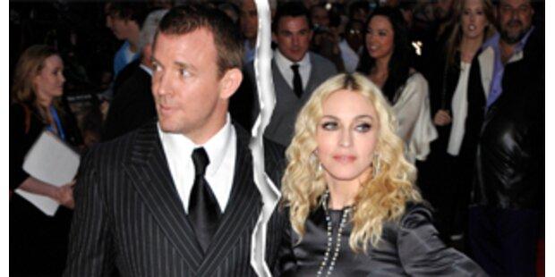 Guys Pflichten: Madonnas irrer Ehevertrag!