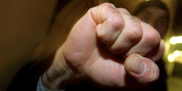 Wilde Schlägerei nach harmlosen Auffahrunfall in Kärnten