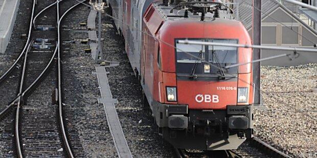 ÖBB-Arbeiter von Zug erfasst