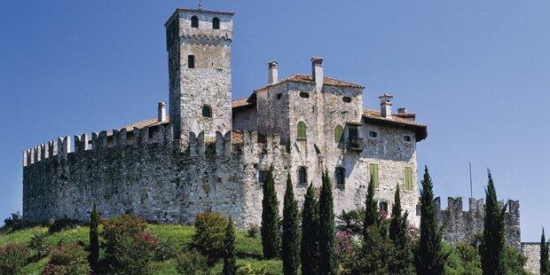 Junge Wienerin stürzte von Schlossmauer