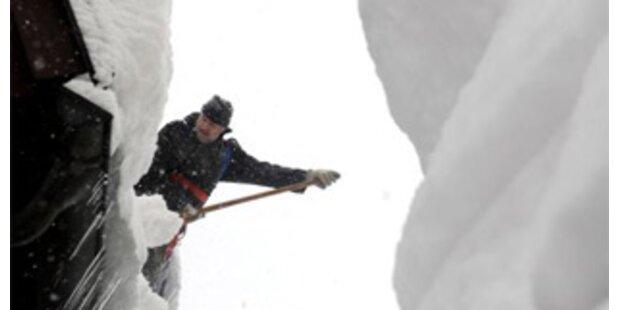 Winterwetter bringt Evakuierungen und Sperren