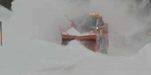 Vorarlberg und Tirol versinken im Schnee