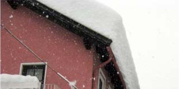 Tauwetter sorgt für Dachlawinen