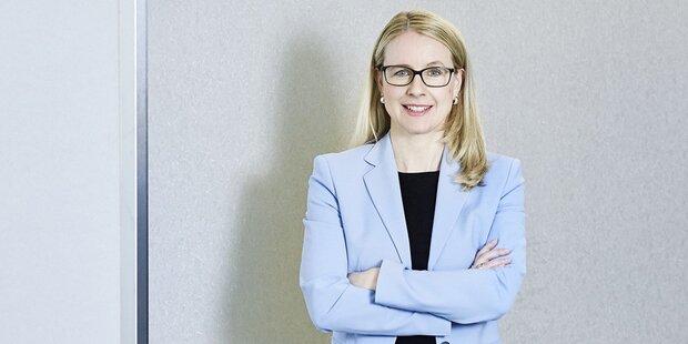 Margarete Schramböck (A1)