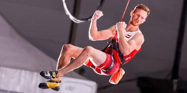 Jakob Schubert beim Vorstieg-Klettern (Olympia 2020)