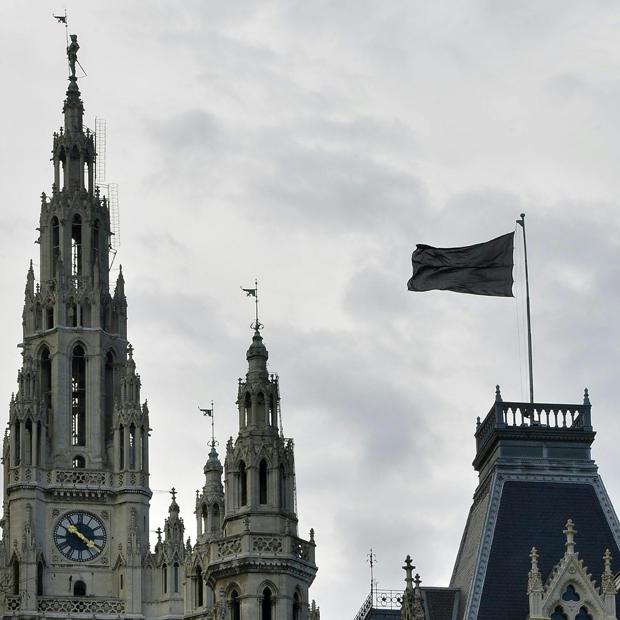 Schwarze Flagge Oberhauser