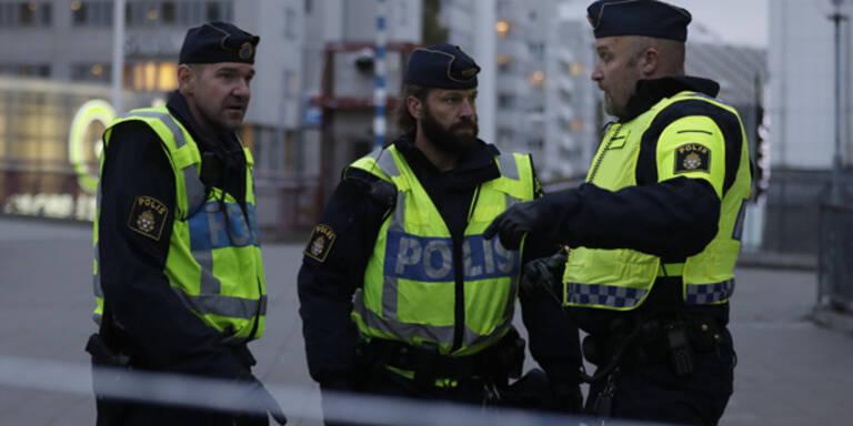 Feuer und Randale in Schweden