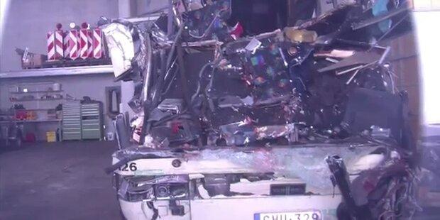 Schweiz Busunglück: Polizei ermittelt