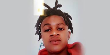 22-Jährigen durch Glastüre gestoßen: Polizei sucht Täter