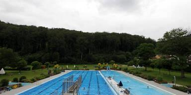 Schwimmbad1_fini