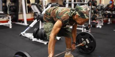 Bodybuilder-Oma begeistert das Netz