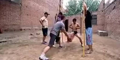 Kung Fu- Härtetest: Penisschläge!
