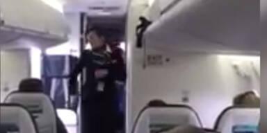 Diese Flugbegleiterin hat den Groove