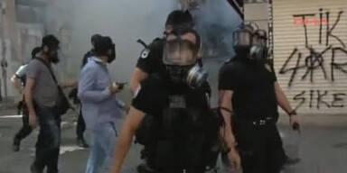 Taksim-Platz: Polizei rückt zur Räumung vor