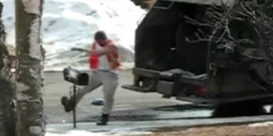 Müllmann rastet komplett aus