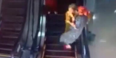 Rolltreppe macht Unerfahrene seekrank