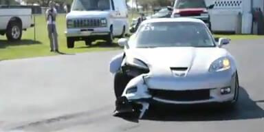 Seltsamer Unfall bei Viertel-Meilen-Rennen