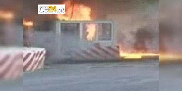 Grenzposten von Serben in Brand gesetzt