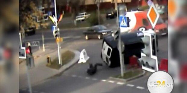 Polizist wird aus Auto geschleudert