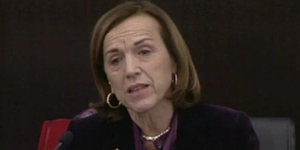 Ministerin weint über Pensionskürzungen