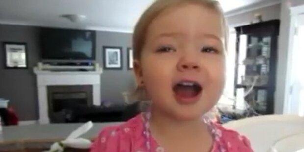 Zweijährige singt Song von Adele