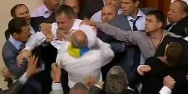 Schlägerei im ukrainischen Parlament