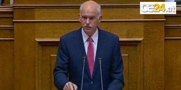 Griechen-Premier Papandreou  bleibt