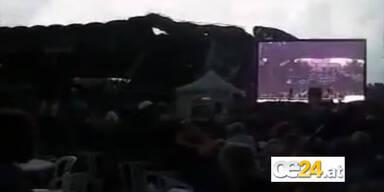 Bühne stürzt während Cheap Trick-Auftritt ein